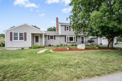 Marlborough Single Family Home For Sale: 160 Evelina Dr