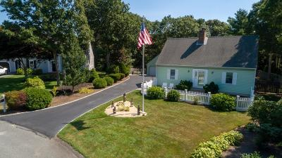 Falmouth Single Family Home For Sale: 15 Meadowood Ln