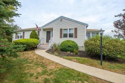 East Bridgewater Condo/Townhouse Contingent: 15 Crystal Water Dr #15