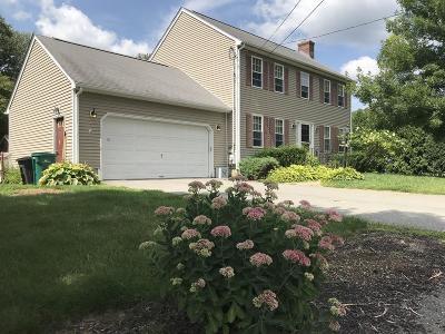 Attleboro Single Family Home For Sale: 11 Cynthia Lane
