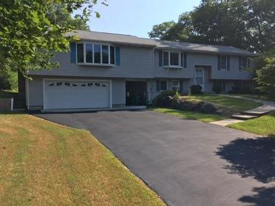 Attleboro Single Family Home For Sale: 34 Valley View Drive