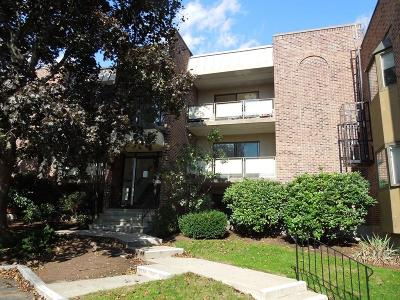 Waltham Condo/Townhouse For Sale: 43 Angleside Road #3