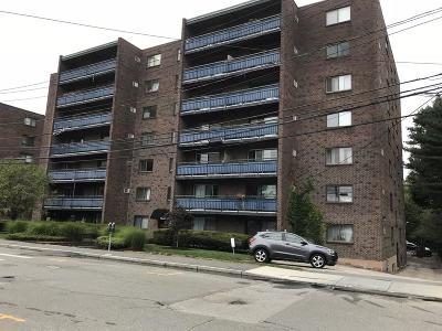 Watertown Condo/Townhouse For Sale: 32 Whites Ave #18