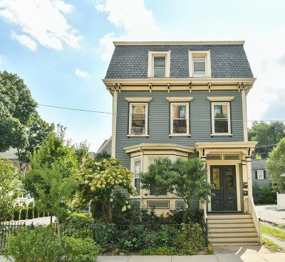 Condo/Townhouse Under Agreement: 87 Green St #2