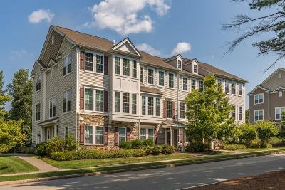 Reading MA Condo/Townhouse Contingent: $629,900