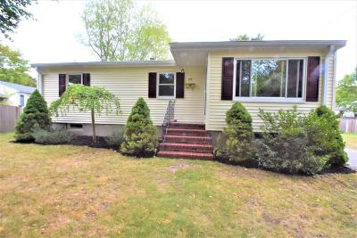 Beverly Single Family Home Contingent: 35 Longmeadow Road