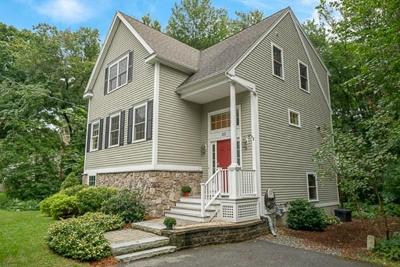 Reading MA Single Family Home For Sale: $649,900