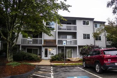 Franklin Condo/Townhouse Under Agreement: 807 Franklin Crossing #8-7