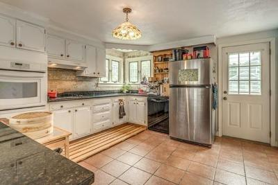 Arlington Single Family Home For Sale: 97 Woodside Ln