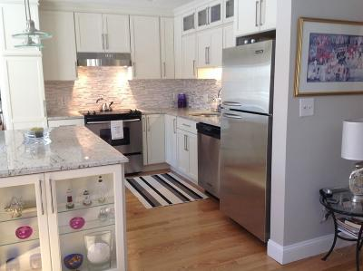 Hingham Condo/Townhouse Contingent: 2402 Hockley Dr #2402