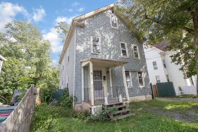 Middleboro Multi Family Home Contingent: 65 Oak St