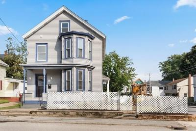 Lowell Single Family Home Contingent: 32 Meadowcroft St