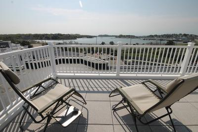 Hingham, Hull, Scituate, Norwell, Hanover, Marshfield, Pembroke, Duxbury, Kingston, Plympton Condo/Townhouse For Sale: 15 Park Avenue- Bldg. Four #404
