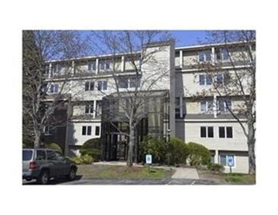 Beverly Condo/Townhouse Contingent: 4 Duck Pond Rd #201