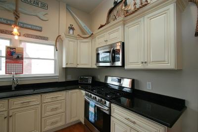 Scituate Single Family Home For Sale: 25 Ocean Dr