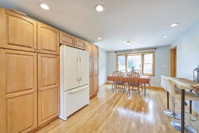 Burlington Single Family Home Contingent: 24 Skelton Road