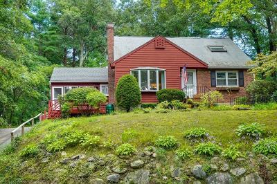 Burlington Single Family Home For Sale: 6 Butters Ln