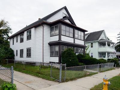 Multi Family Home New: 125 Malden St