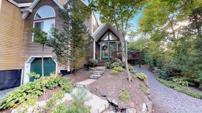 Acton, Boxborough, Carlisle, Concord, Framingham, Hudson, Lincoln, Marlborough, Maynard, Natick, Stow, Sudbury, Wayland, Weston Condo/Townhouse For Sale: 25 Deer Path #25