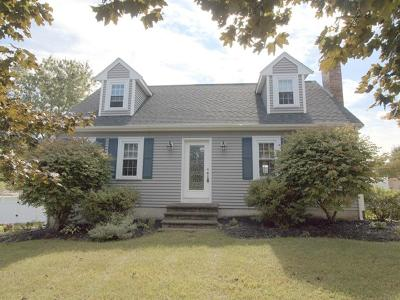 Blackstone MA Single Family Home For Sale: $359,000