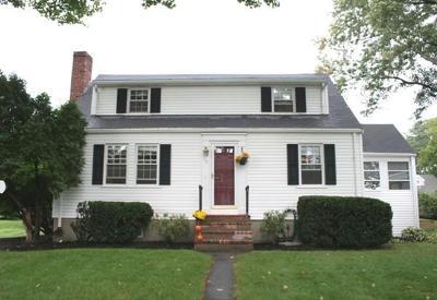 Lynnfield Single Family Home For Sale: 16 Edward Avenue