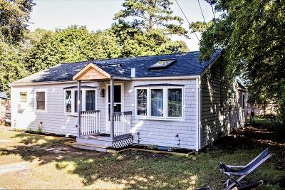 Plymouth Single Family Home For Sale: 10 Madlyn St