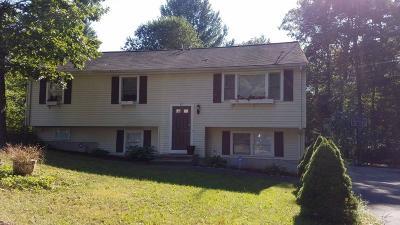 Holbrook Single Family Home For Sale: 22 Kalmia Rd