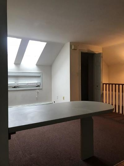Rental For Rent: 230r Washington St. #2