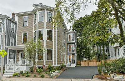 Condo/Townhouse Under Agreement: 60 Carolina Ave #3