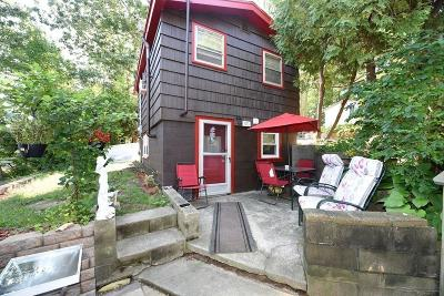 Bourne Single Family Home Contingent: 5g Hideaway
