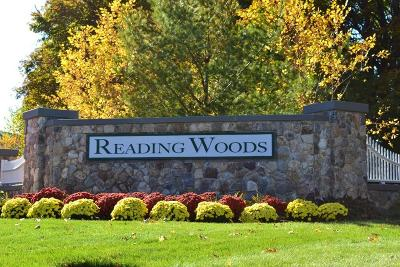 Reading Condo/Townhouse For Sale: 23 Augustus Ct #1006