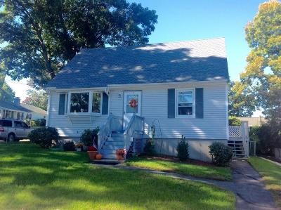Lowell Single Family Home For Sale: 106 Virginia Ave