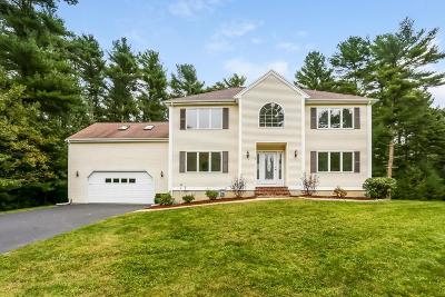 Middleboro Single Family Home For Sale: 32 Saddleworth Way