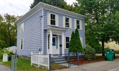 Lowell Single Family Home For Sale: 122 Quebec St