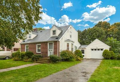 Saugus Single Family Home For Sale: 13 Lodge Ave