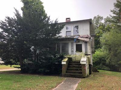 Billerica Single Family Home Under Agreement: 465 Middlesex Tpke