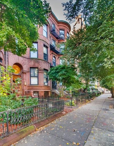 Condo/Townhouse For Sale: 473 Beacon Street #1R