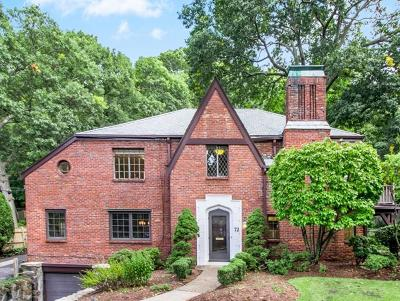 Brookline Single Family Home For Sale: 72 Beverly Rd