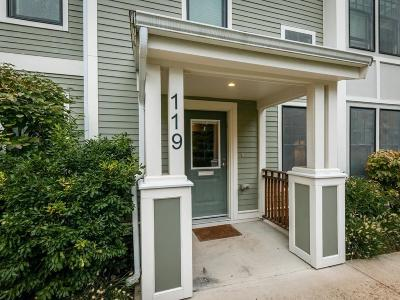 Brookline Condo/Townhouse New: 119 Crowninshield Rd #119