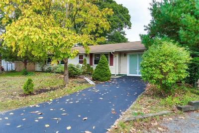 Wareham Single Family Home For Sale: 20 Terry Ln E