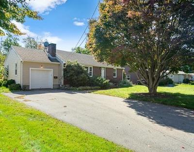 Framingham Single Family Home For Sale: 125 Pincushion Rd