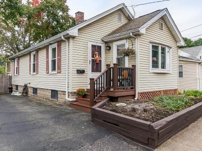 Waltham Single Family Home Under Agreement: 129 Lake Street