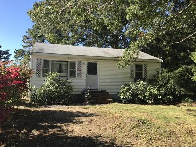 Wareham Single Family Home For Sale: 70 Barker Road