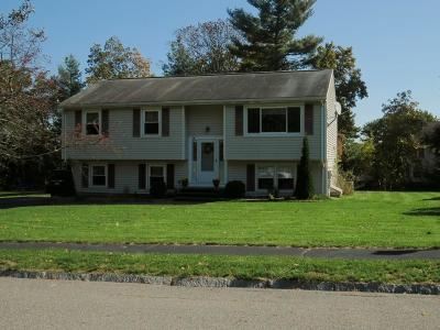 Haverhill MA Single Family Home For Sale: $369,900