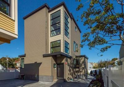 Cambridge, Somerville Condo/Townhouse Under Agreement: 61 Lincoln Street #61