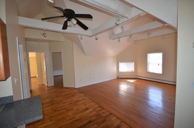Rental Under Agreement: 41 Gardner Street #3