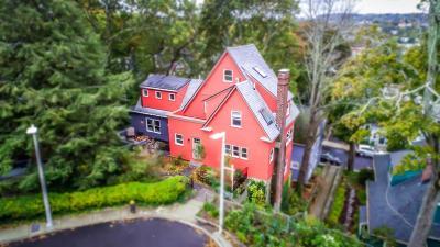 Condo/Townhouse Under Agreement: 18 Park Ln #18