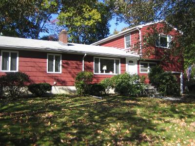 Lynnfield Single Family Home For Sale: 6 Huckleberry Road