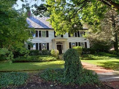 Brookline Single Family Home For Sale: 11 Heath Hill St