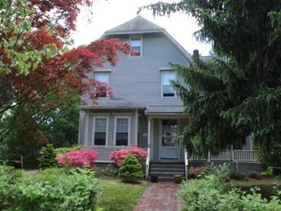 Newton Single Family Home For Sale: 82 Central St